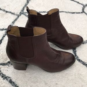 FRYE Stella Chelsea Short Boots Dark Brown